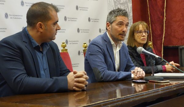 El Ayuntamiento muestra su apoyo a la nueva asociación de comerciantes