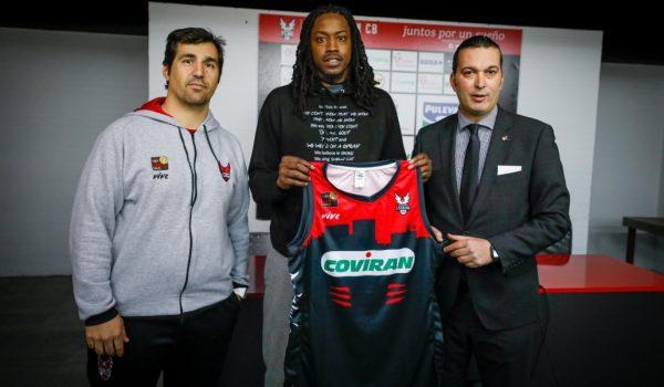 Mykal Riley presentado como jugador del Coviran Granada